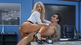 Nicolette Shea gets her pussy banged by a dude on the enter