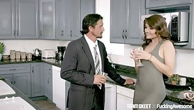 Blue kept woman Adria Rae does wholeness her sugar daddy desires