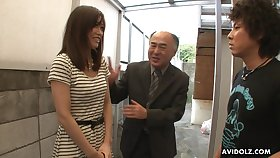 Pretty Japanese girl Saki Aiba allows her step brother approximately shave hairy pussy
