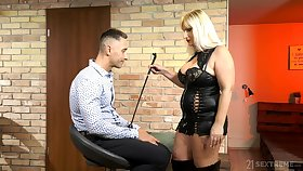 Mature escort mistress Anna Valentina bangs young submissive dude