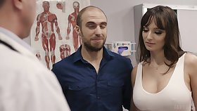 Fucking hot patient Lexi Luna gets say no to mouth and pussy fucked during examination